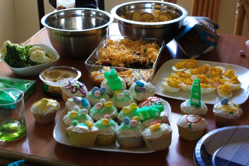 easter decorated cupcakes snacks